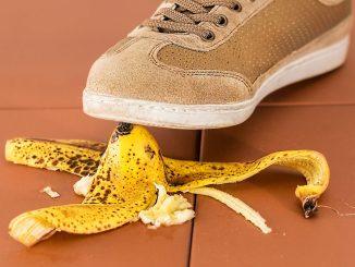 auf bananenschale ausrutschen